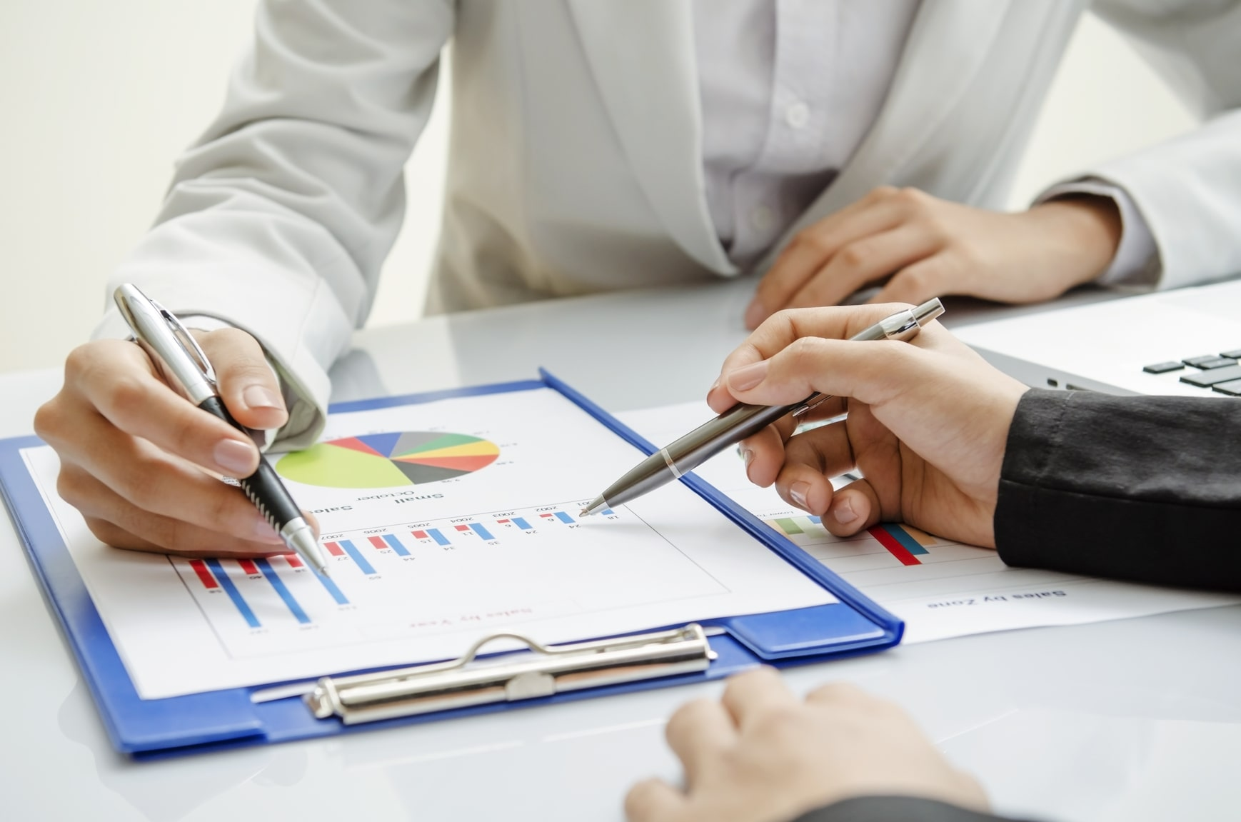 Why Consider Professional Bookkeeping Services for Small Business